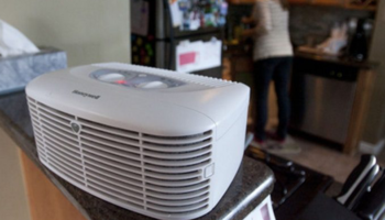 Do Air Purifiers Cool Down A Room – Yes or No?